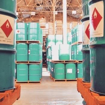 FW Warehousing proudly represents the most current chemical storage methods to provide a well-managed chemical storage solution.